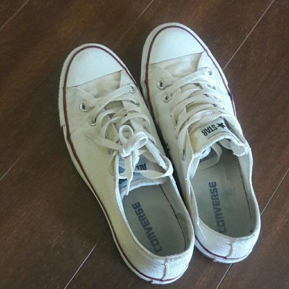 Women's Size 6 12 converse sneakers