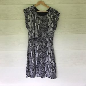 Dresses & Skirts - Snakeskin dress