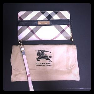 """Burberry Handbags - Burberry Large Wristlet 8 x 5"""" with Dustbag"""