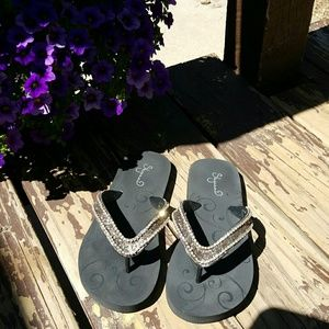 shyanne Shoes - Shyanne flip flops