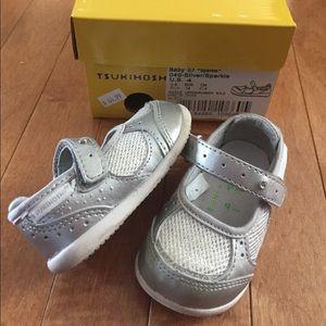 Tsukihoshi Other - Tsukihoshi Size 4 Baby Girl Silver Sparkle Shoes