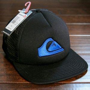 Quiksilver Other - Quiksilver trucker hat! all black with ocean logo
