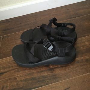 Chacos Shoes - Size 9 Wide Black Chacos-no toe strap!
