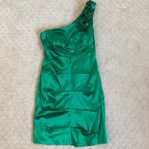 Dresses & Skirts - One shoulder green 80s party dress 💚💚 size 5