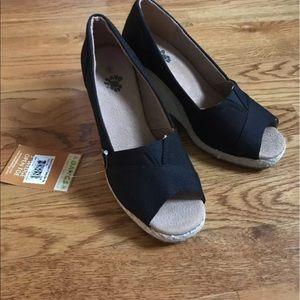 Dawgs Shoes - Black canvas espadrille wedge sandal NWT size 8