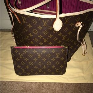 Louis Vuitton Handbags - Neverfull tote