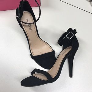 Anne Michelle Shoes - Gorgeous Strappy Black Heels
