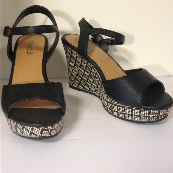 48 mudd shoes mudd wedge sandals black white 8 from