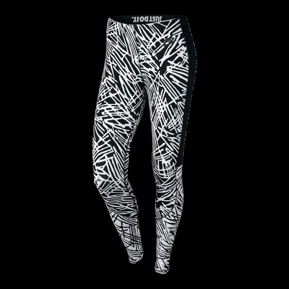 wholesale dealer 4c7e9 5ac46 Nike Women s Printed Tights Leggings Bottom