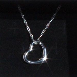 💖Beautiful Silver heart with wave chain necklace