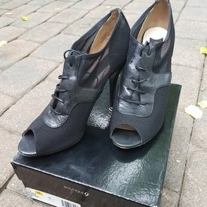 Boutique 9 Shoes - *Brand New* Boutique 9 Black Leather/Mesh Heels