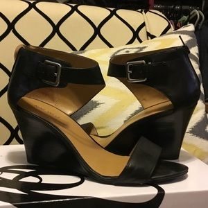 Nine West leather black wedge sandals size 9.5