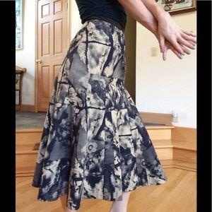 Model de Prudence Denim Splat Artsy French Skirt