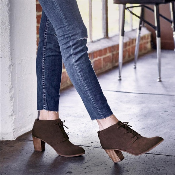 dfab34ae15c Lunata Lace-up TOMS heel.