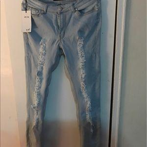 Fashion nova distressed denim!