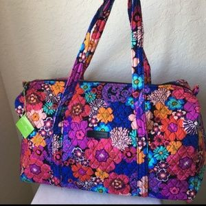 35% Off Vera Bradley Handbags - Veta Bradley Blanco Weekender Travel Bag From Laverneu0026#39;s Closet ...