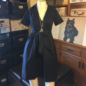 Diane Von Furstenberg Dresses & Skirts - DVF A-line Short Sleeved Navy Front Tie Dress