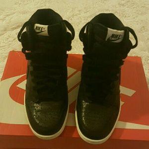 Nike Shoes - NEW Women's Dunk Sky Hi Sneaker all  Black