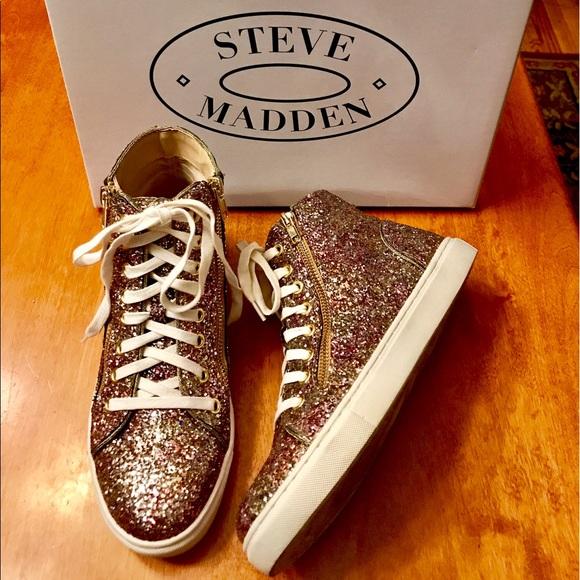 a3625a7fa36 Steve Madden Earnst Glitter high-top sneakers. M 594c71a178b31cdaa304d893