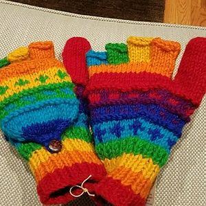 Accessories - NWT Fingerless mittens
