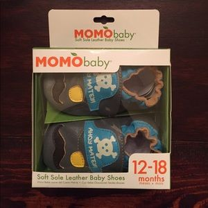 MOMObaby Other - NWT MOMObaby soft sole leather baby shoes