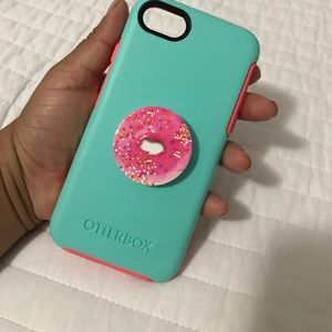 OtterBox Accessories - Otterbox iPhone 7 case w/ cute donut popsocket