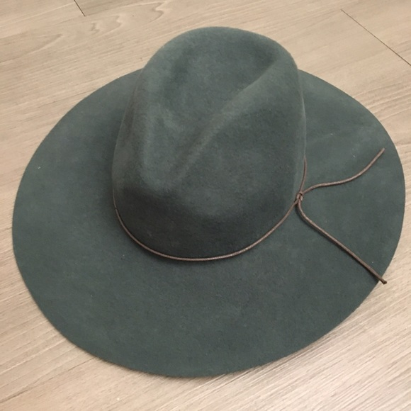d7049ae2a4413 Accessories - PETER GRIMM wide brim floppy hat