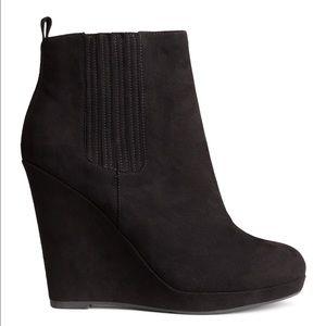 Black suede H&M wedges - Size 7.
