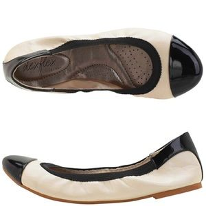 Dexflex Black and White Flats