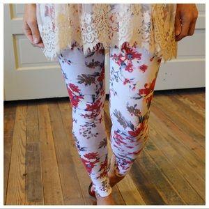 Pants - Ivory floral print leggings