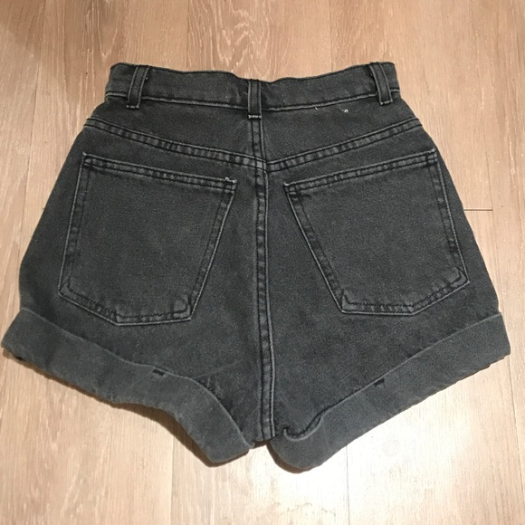 Shop American Eagle Outfitters for men's and women's jeans, T's, shoes and more. All styles are available in additional sizes only at trueiupnbp.gq Men's Swim Shorts Board Shorts All Day Shorts Swim Trunks. High-Waisted Short Short Mom Short Midi Short.