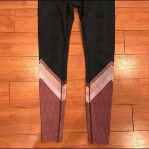 ALO Yoga Pants - RARE ALO leggings. Size: S Excellent condition