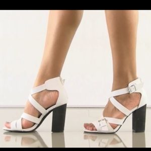 Shelly's  London. White Leather Sandals