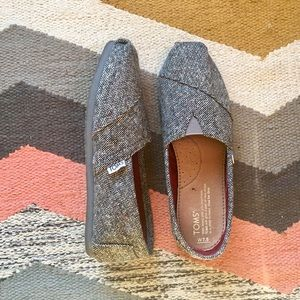 Toms Shoes - Like New Gray Tweed Toms (Size 7 1/2)