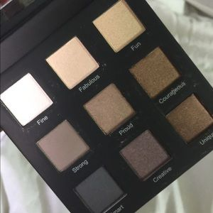 BRAND NEW IN BOX! Eyeshadow pallet