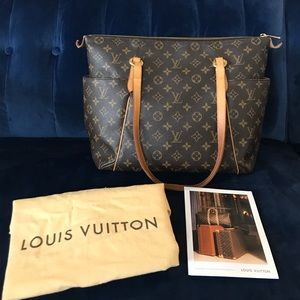 Louis Vuitton Handbags - Louis Vuitton tote Authentic!!!!