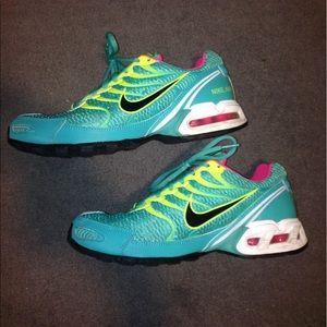 Nike Shoes - Nike torch 4 shoes