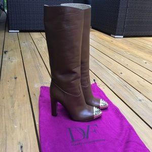 BRAND NEW Valentino boots