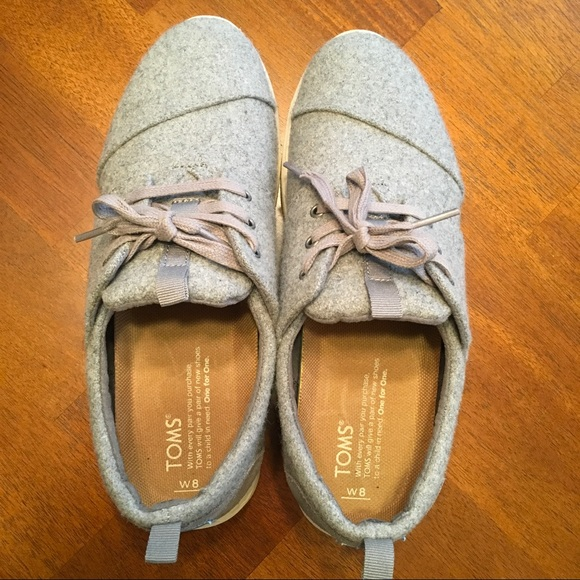 how to clean wool toms sneakerts