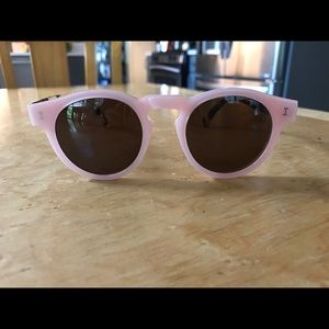 Illesteva Accessories - ILLESTEVA sunglasses
