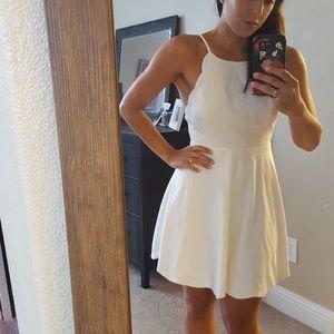 Lulu Dresses & Skirts - Lulus small white scalloped edge dress low back