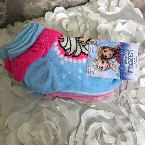 Other - ❄️SUPER CUTE Girls Frozen No Show Socks 5 Pack❄️