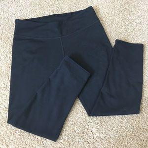Fabletics Pants - Crop leggings!