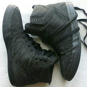 Osiris High Top Skate Shoes Black Canvas