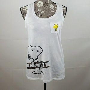 Peanuts Tops - Peanuts Snoopy t shirt