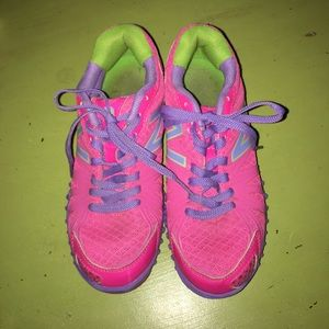 EUC New Balance Hot Pink Purple Shoe Sneakers SZ 2