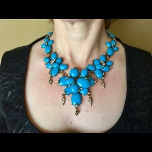 Jewelry - Blue Flower Statement Necklace