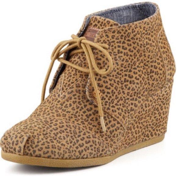 31cd2c727a6 TOMS Leopard Print Desert Wedge Booties In Box