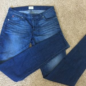 Super skinny jeans.