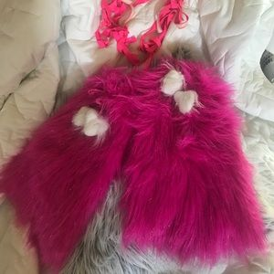rave Accessories - Sparkly pink rave fluffies and pink leg wraps